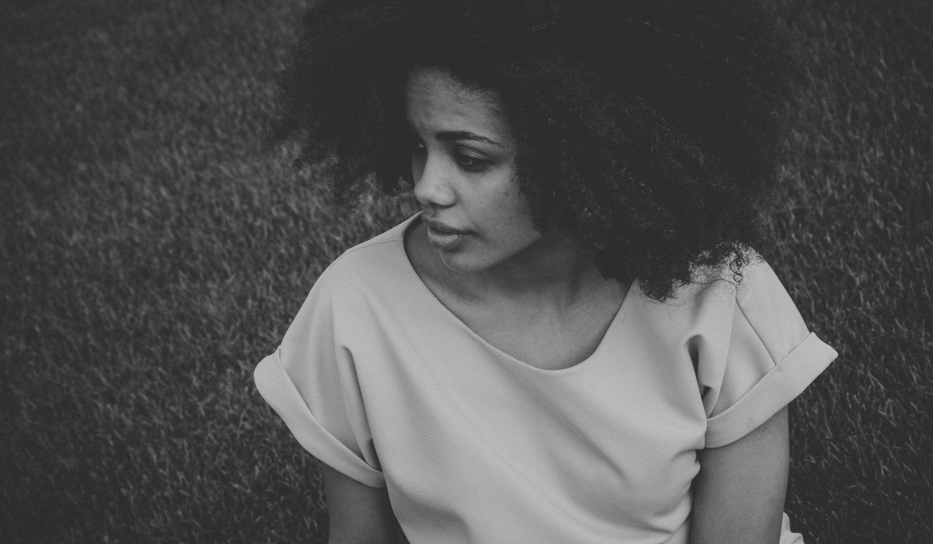 Solutions pour lutter contre la chute des cheveux crépus