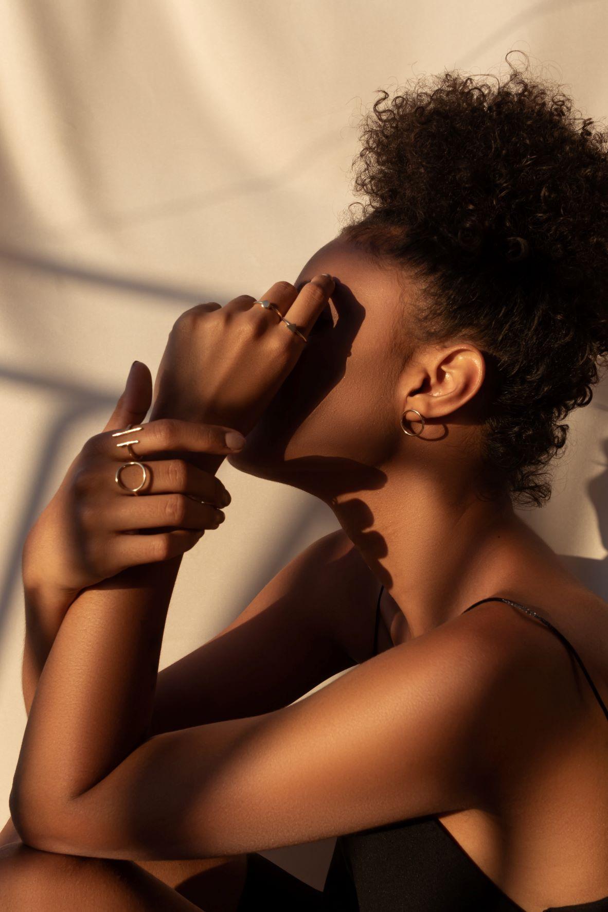 Comment prendre soin des cheveux afro ?